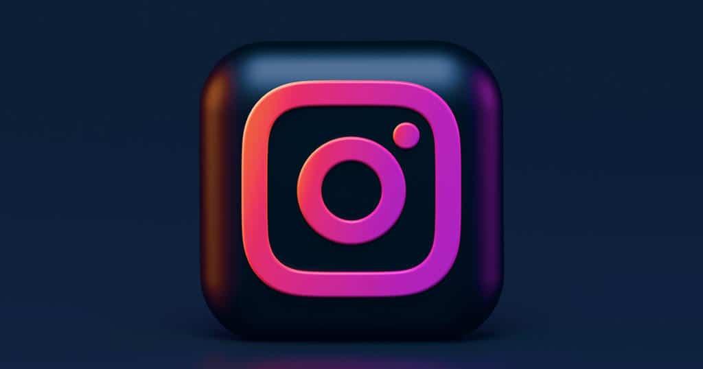 A Social Media Primer for Tour and Activity Operators Kristin Templin Arival