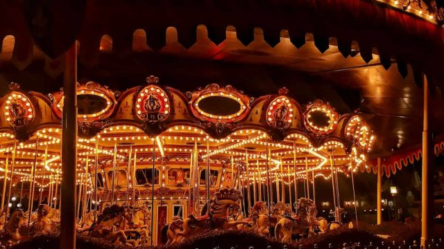 Hong Kong Disneyland Resort - Carousel - Attraction - Dynamic Pricing